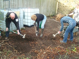 SCAN, Student Community Action Newcastle, Jesmond Community Orchard, JesmondLocal, Linda Guma, volunteer, environment, planting, St. Andrew's cemetary