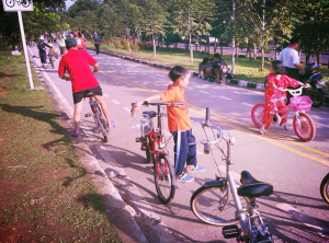Bike path in Indonesia. Photo taken from Flickr by firdaus usman used under the creative commons license